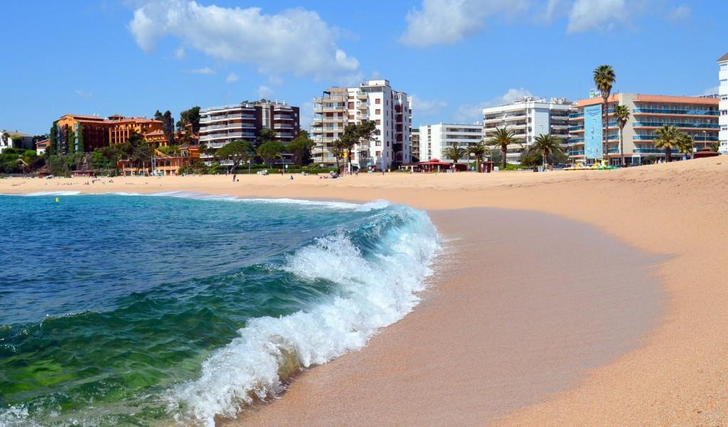 Горящий тур в Испанию, Коста Брава, Ллорет де Мар. Цена от 320 евро с человека